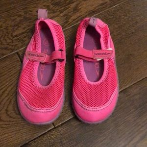 Speedo water shoes size 9/10